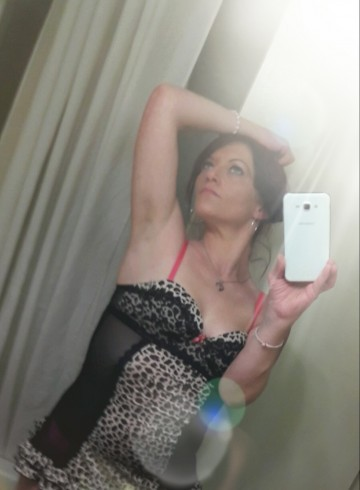 Charleston Escort Valerie  Nasty Adult Entertainer in United States, Female Adult Service Provider, American Escort and Companion.