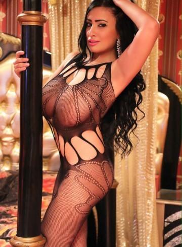 Dubai Escort Emanuela4 Adult Entertainer in United Arab Emirates, Female Adult Service Provider, Greek Escort and Companion.