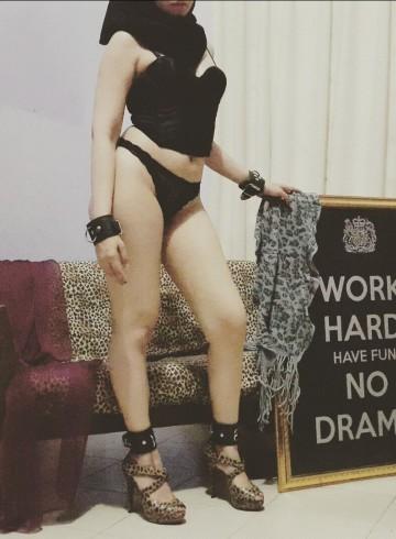 Jakarta Escort KinkyHijabi Adult Entertainer in Indonesia, Female Adult Service Provider, Escort and Companion.