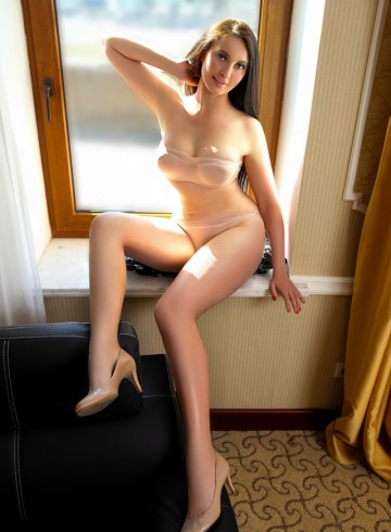Las Vegas Escort AngeliqueBeauty Adult Entertainer in United States, Female Adult Service Provider, French Escort and Companion.