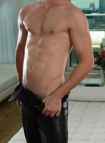 London Escort OzBigdownunder Adult Entertainer in United Kingdom, Male Adult Service Provider, Escort and Companion.