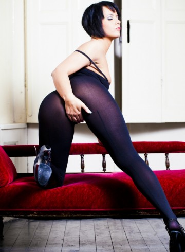 Arnhem Escort Scarlett  Hope Adult Entertainer in Netherlands, Female Adult Service Provider, Dutch Escort and Companion.